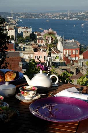 Istanbul Besinci Rooftop Restaurant Best New Bar View